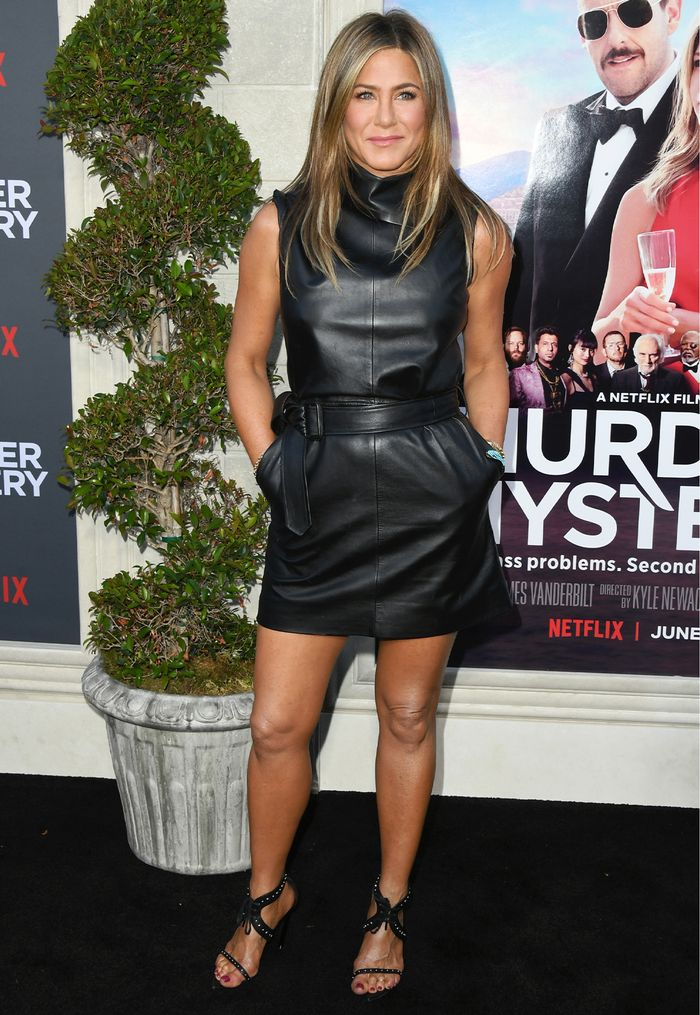 7 Basic Fashion Items Jennifer Aniston Wears On Repeat