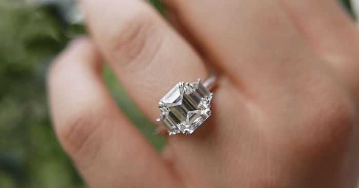 7 Things That Always Make an Engagement Ring Look Cheap