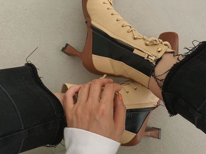 lace-up boot trend