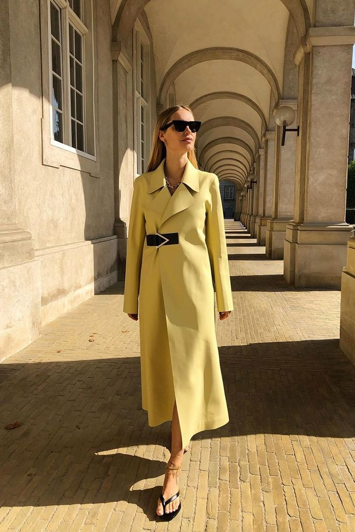 Autumn colours 2019: Pernille Teisbaek in a pale yellow coat