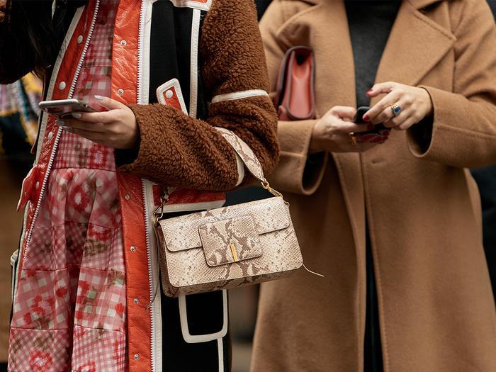New York Street Style Wandler Bag