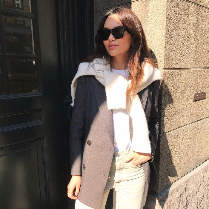 How to style a sweater around your shoulder
