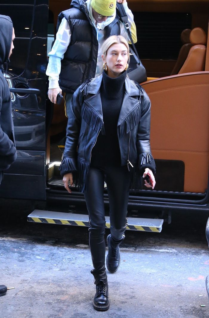 6 Perfect Outfits Celeb Always Wear With Dr. Martens