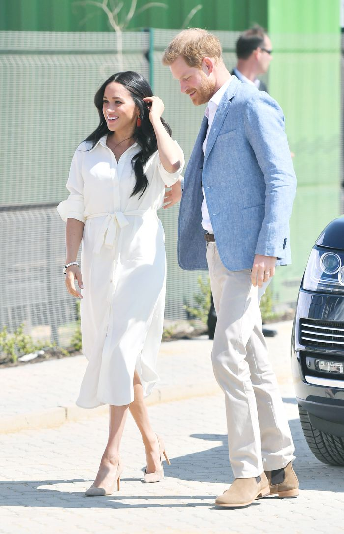 Meghan Markle South African royal tour outfits: white shirt dress with Stuart Weitzman pumps