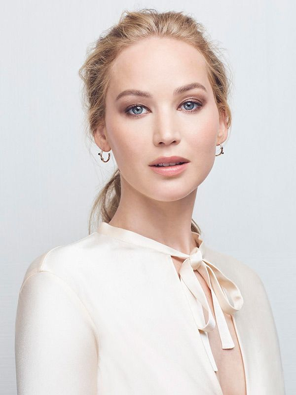 See What's on Jennifer Lawrence's Amazon Wedding Registry