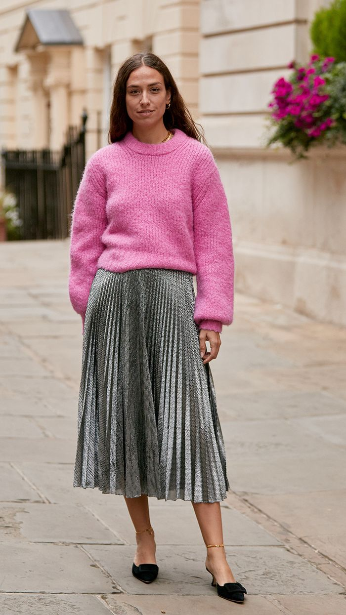 The Best Pleated Skirt Outfit Ideas 2019: Neon pink jumper with metallic pleated midi skirt