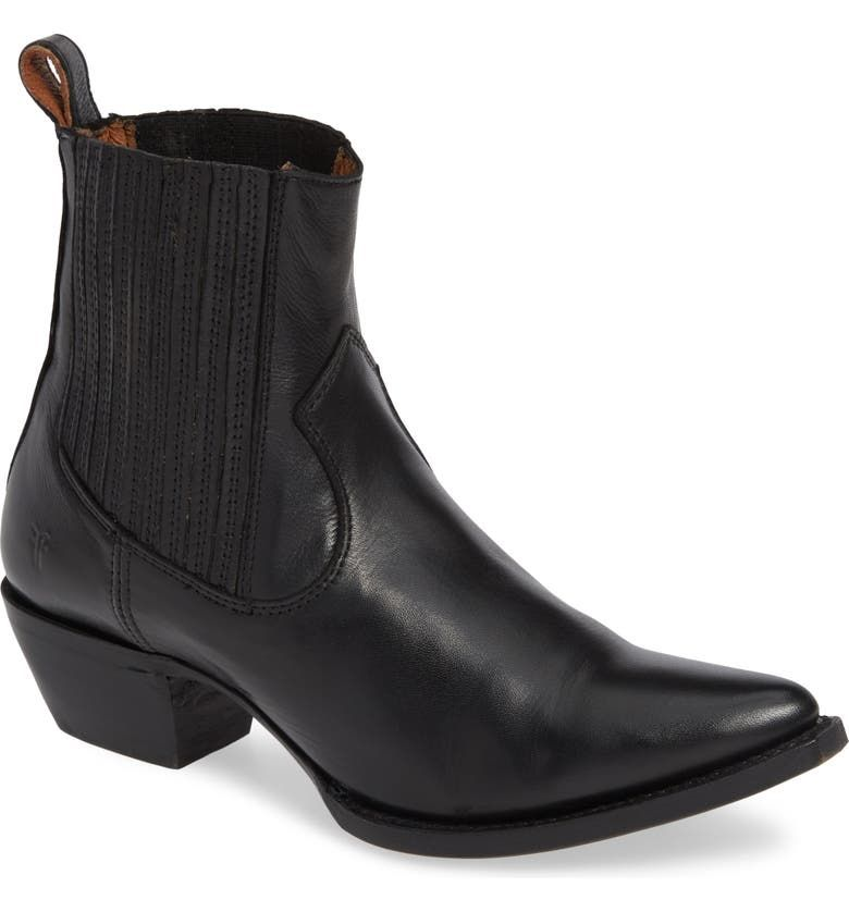 5 Boot Trends to Buy and Skip This Fall, According to Our Editors - outdated boot styles 282820 1630111357549