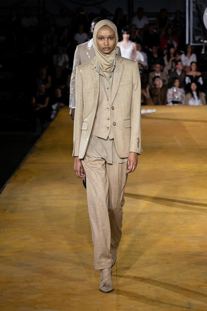Three-piece suit trend: Burberry