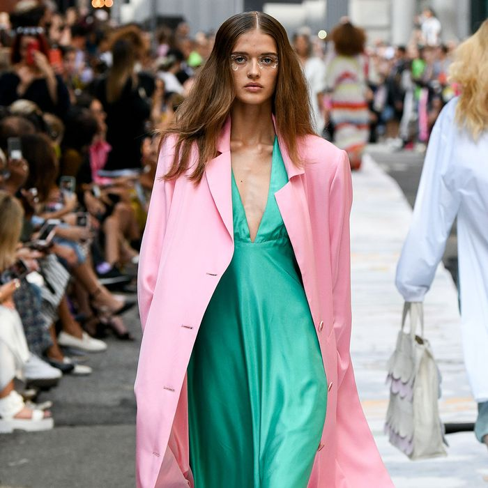 Color Street Spring 2020.The 7 Biggest Color Trends Of Spring Summer 2020 Who What Wear