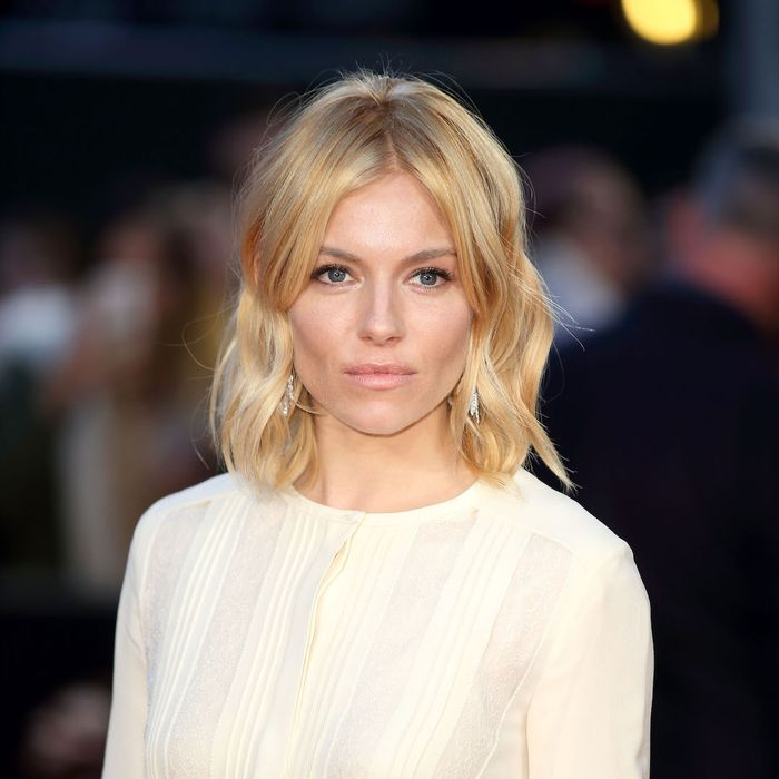 From Sienna Miller to Rosie HW, These Are the Best Lob Hairstyles to Copy
