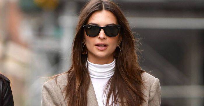 Emily Ratajkowski's Boots-and-Jeans Combo Couldn't Be More London