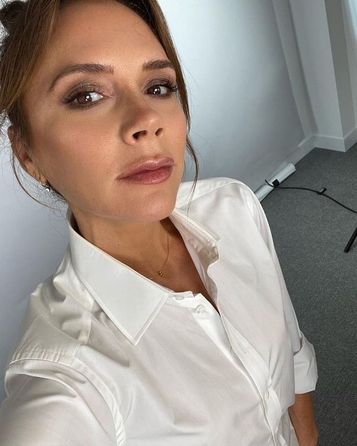 Anastasia Beverly Hills Eyebrows: Victoria Beckham with shaped brows