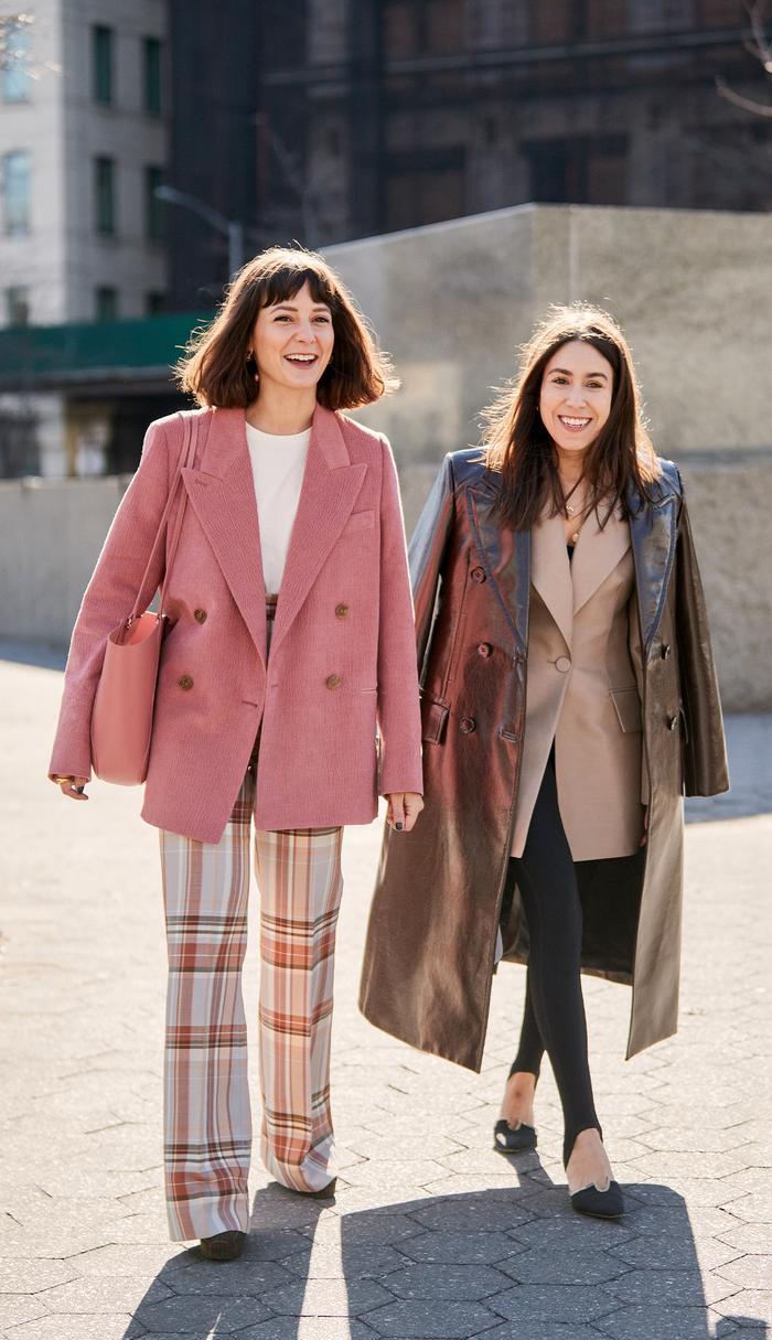 How NYC girls wear the blazer trend in 2020