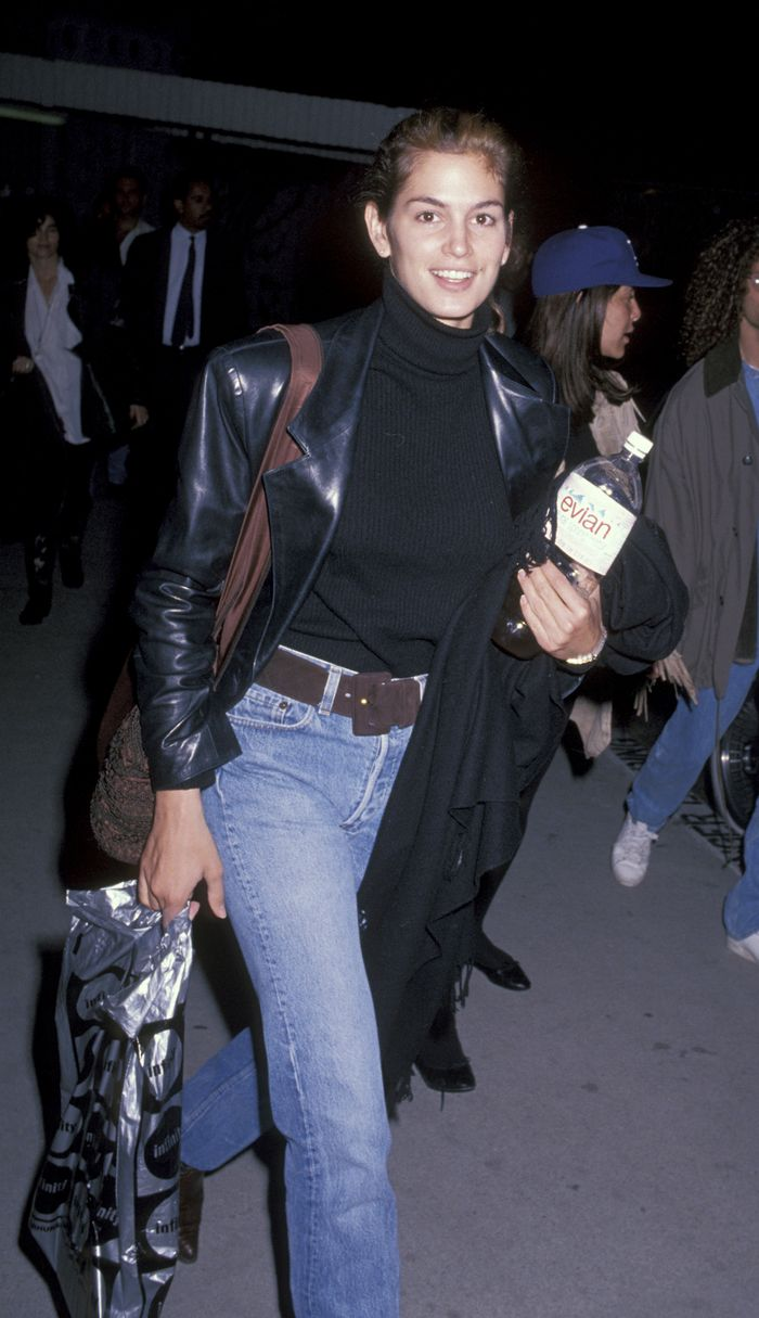 '90s airport outfits: Cindy Crawford