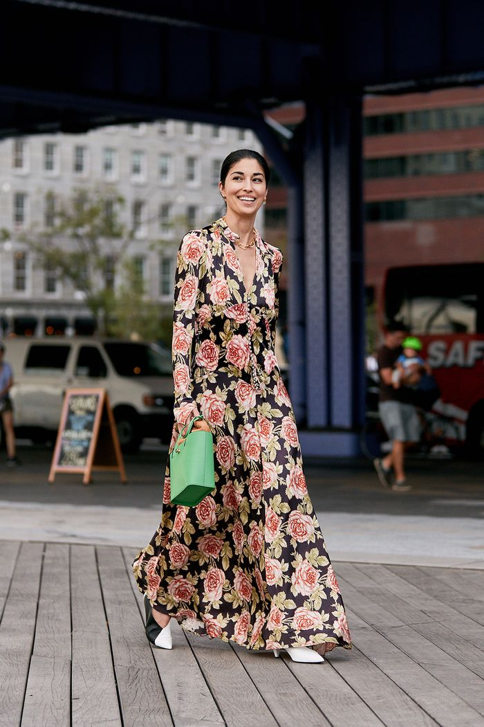 dark floral dresses street style