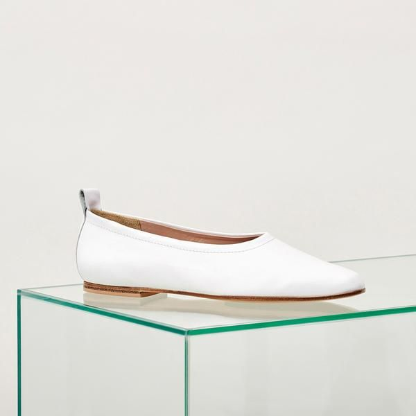 28 Cute Flat Shoes We'll Be Wearing All