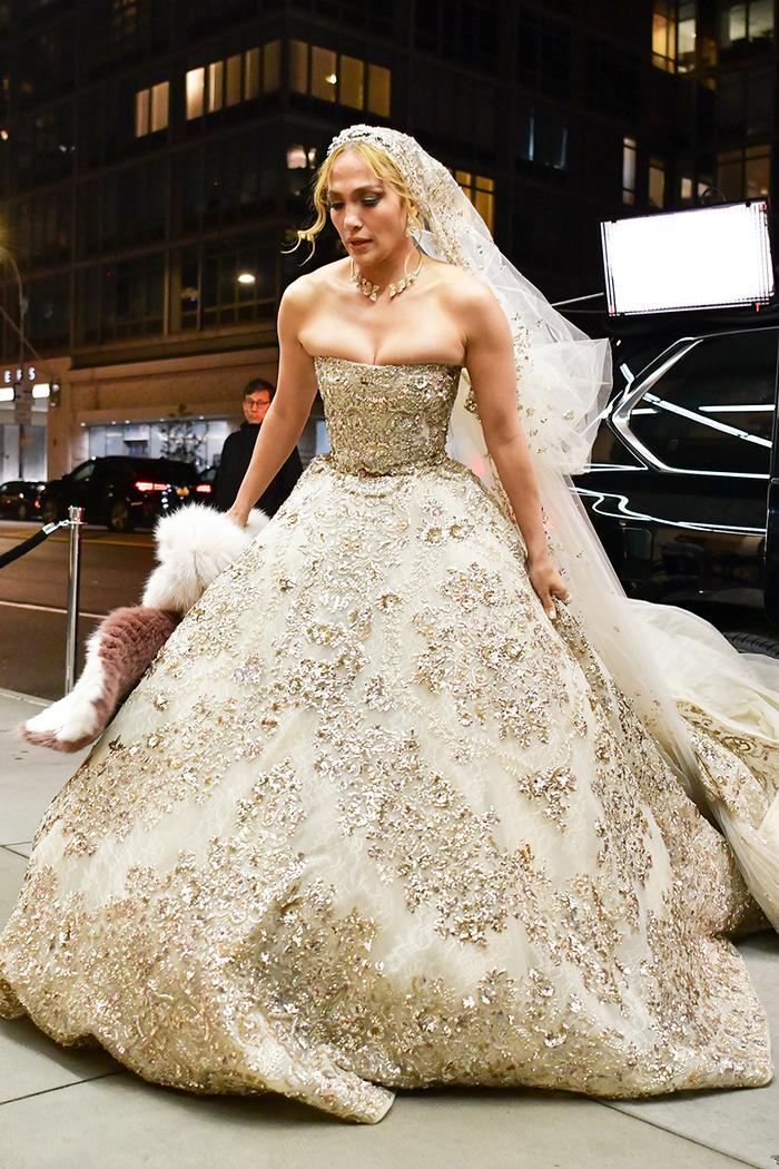 Jennifer Lopez Wedding Dress Marry Me