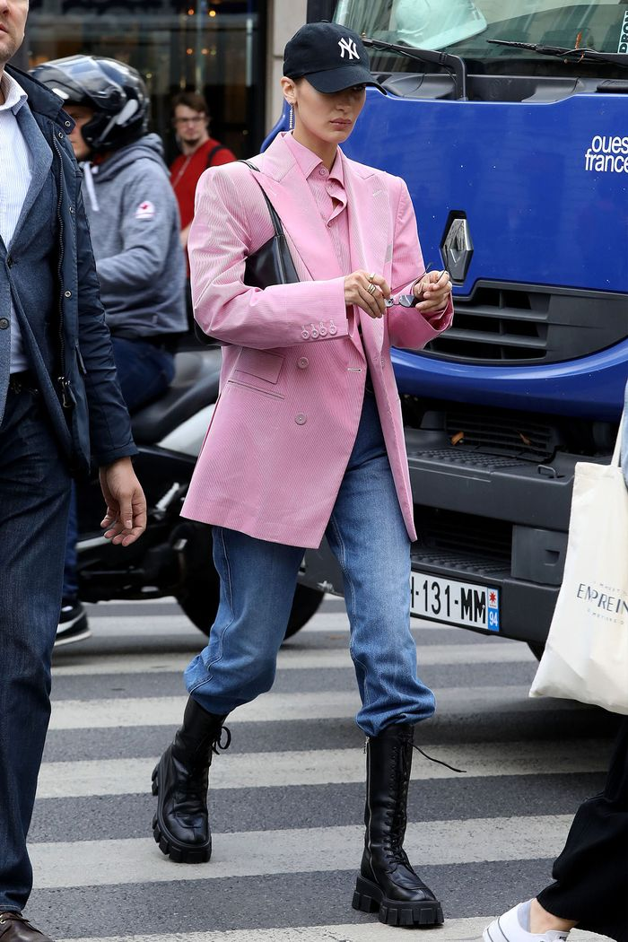 Bella Hadid jeans outfit 2020
