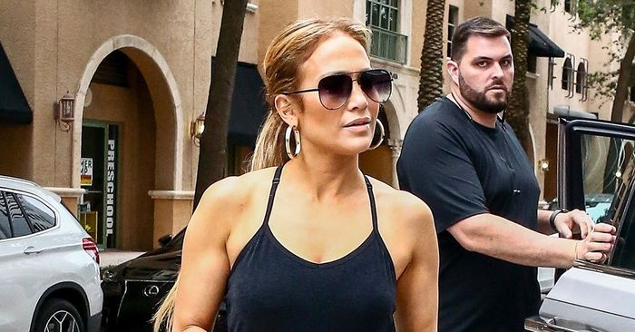 """J.Lo and Alessandra Ambrosio Endorse the """"Risky"""" Trend That Could Rival Leggings"""