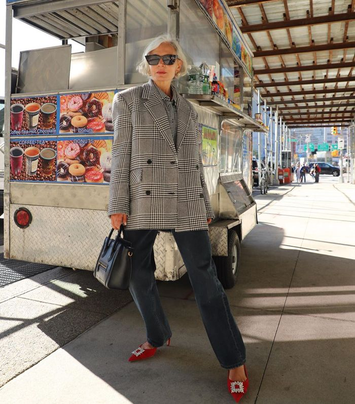 Stylish Women Over 40 Swear By These Jean Trends