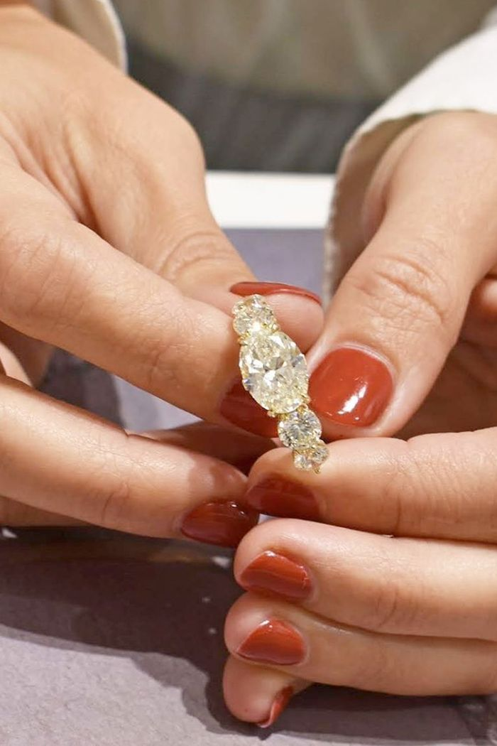 3 Experts Told Me How to Get a Diamond Ring That Looks Bigger and Costs Less