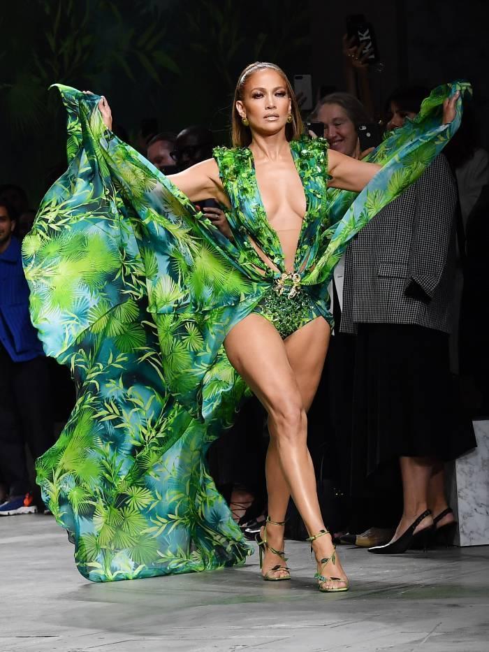 biggest fashion moments 2019: jennifer lopez at Versace