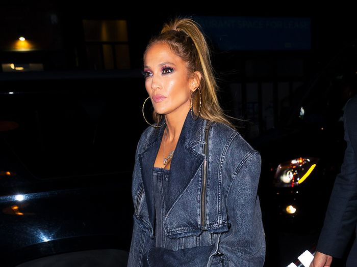 5 Truly Innovative Skinny-Jean Outfits From J.Lo, Rihanna, and Hailey Bieber