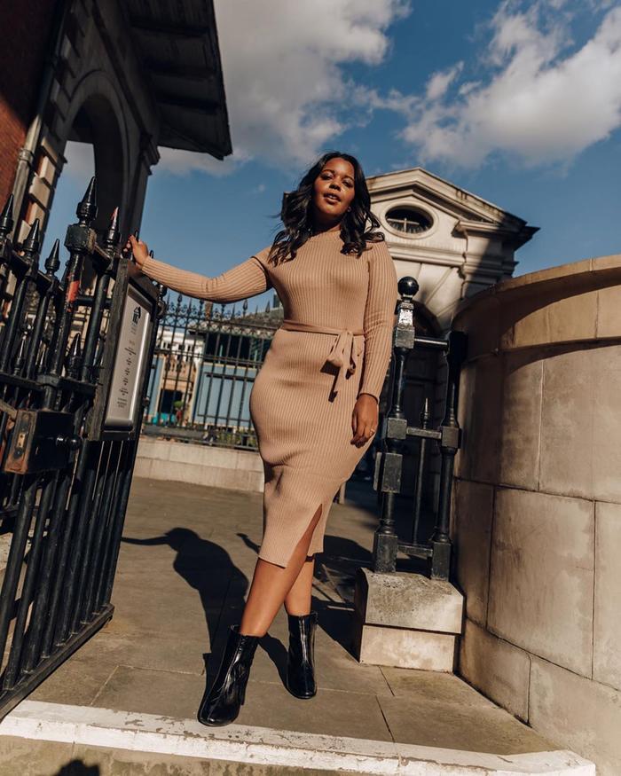 London Winter Fashion Trends: @styleidealist wears a jumper dress