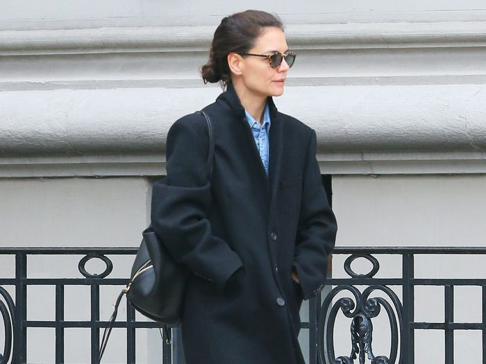 Katie Holmes Wore the Only Flats Trend I'm Wearing With Jeans This Winter