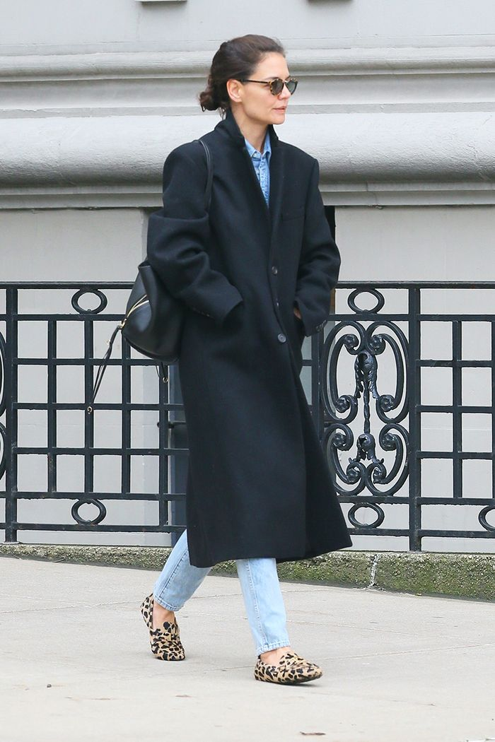 Katie Holmes flat shoes
