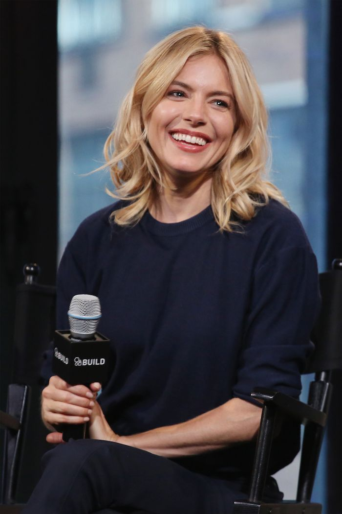 Shoulder-length hairstyles: Sienna Miller