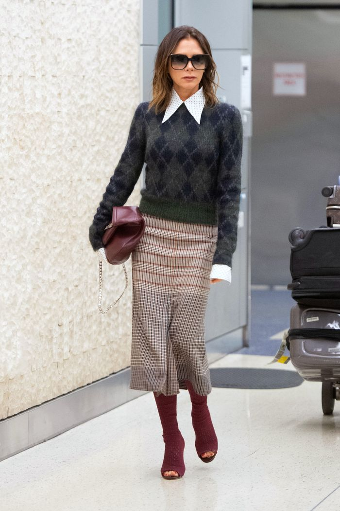 5 Chic Winter Outfits From Victoria Beckham, Katie Holmes, and Jennifer Lopez