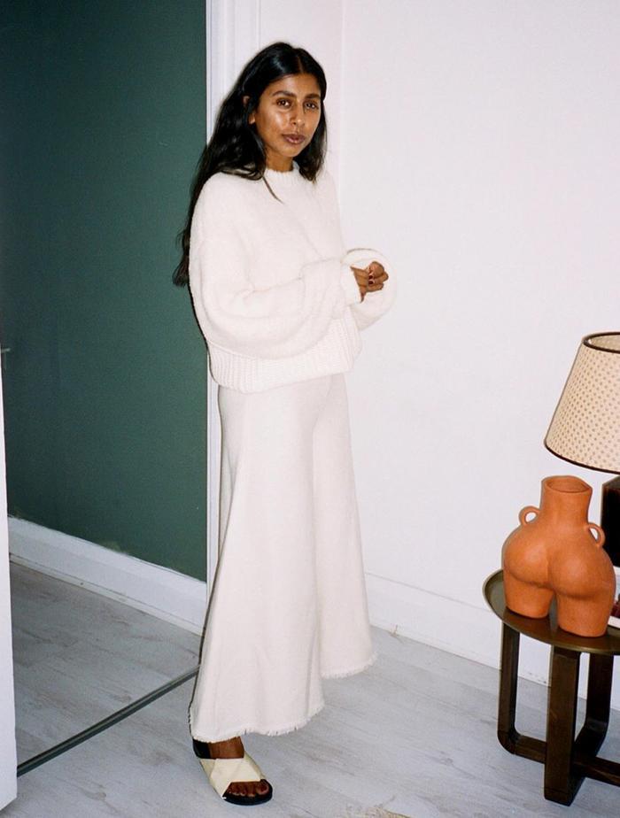 Best Cream Jumpers: @monikh wears a cream jumper