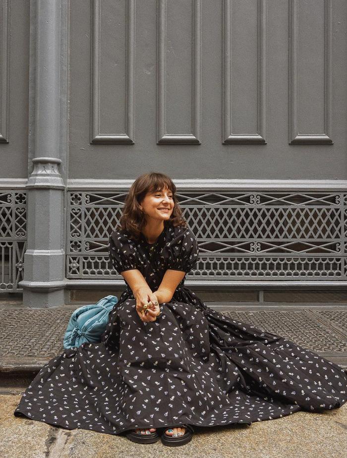 Best Oversized Dresses: @alyssainthecity wears an oversized dress