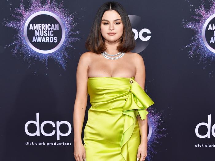 AMAs Red Carpet Looks 2019