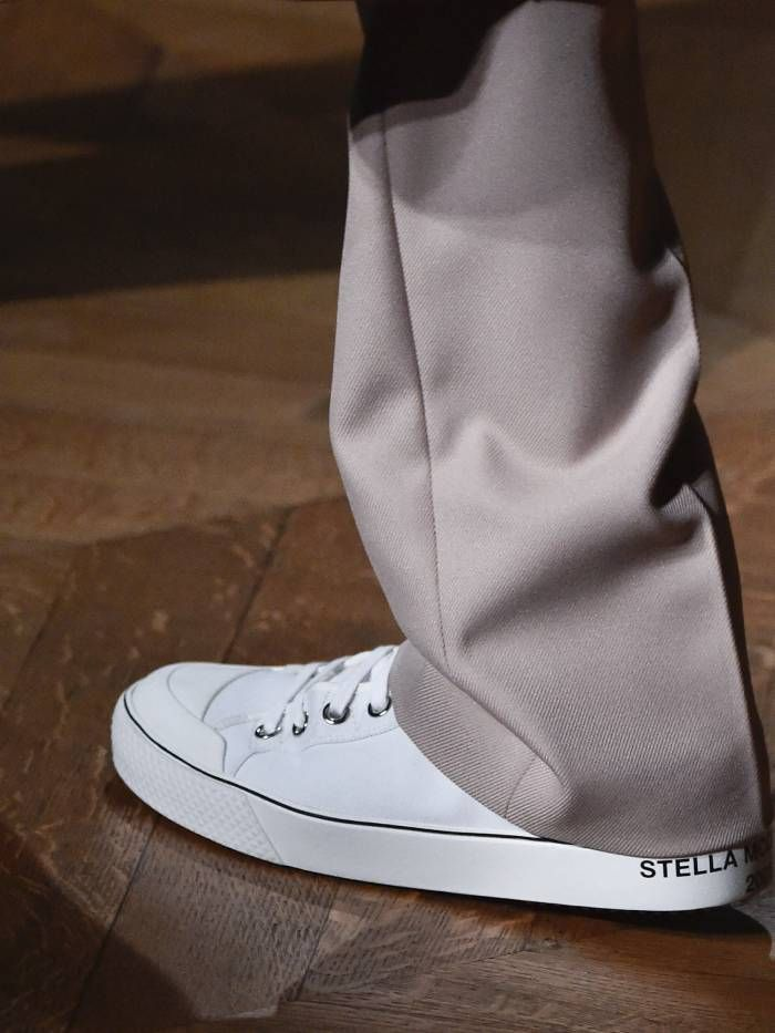 sneaker trends 2020: pared-back styles