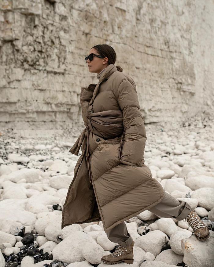 Best High Street Puffer Coats: @hannahcrosskey wears a puffer coat from Arket
