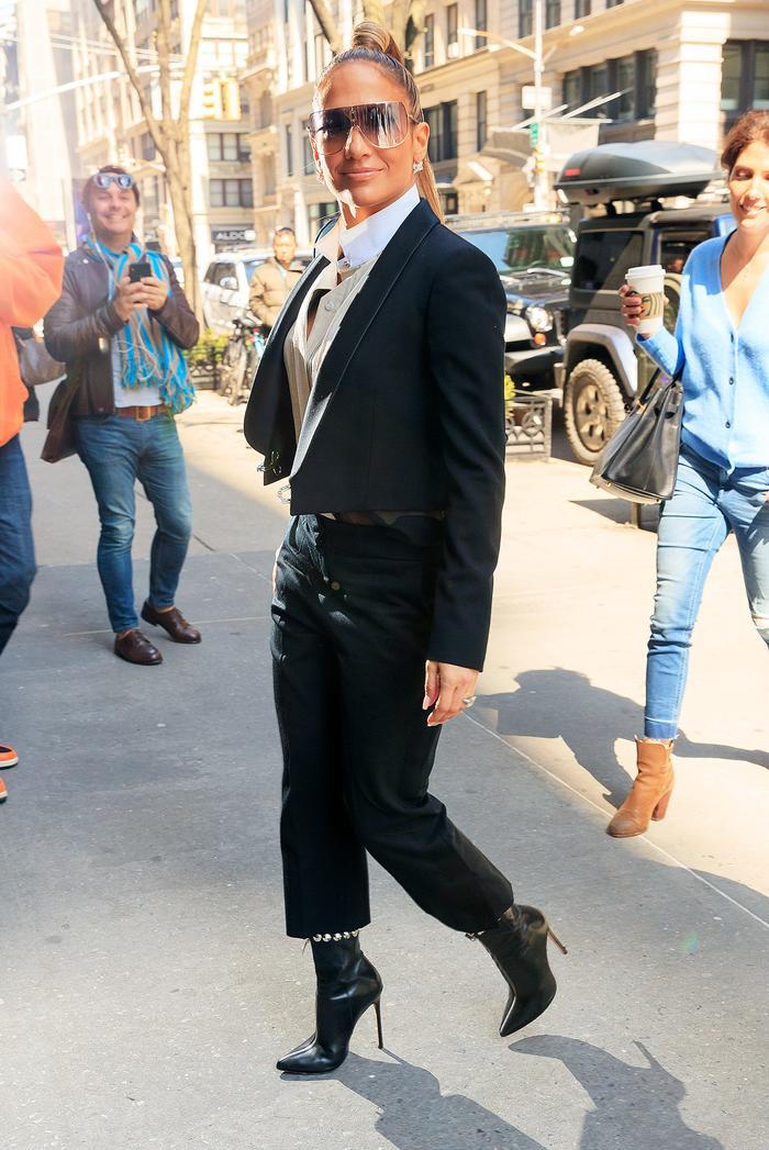 Jennifer Lopez Outfit Wearing a Suit