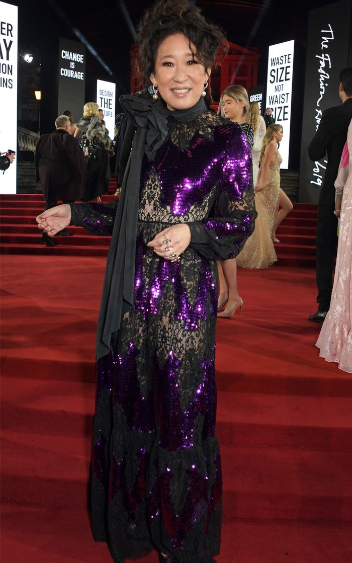 Every Red Carpet Look From The Fashion Awards Who What Wear