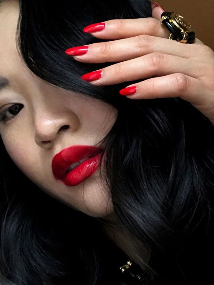 What does red nails mean