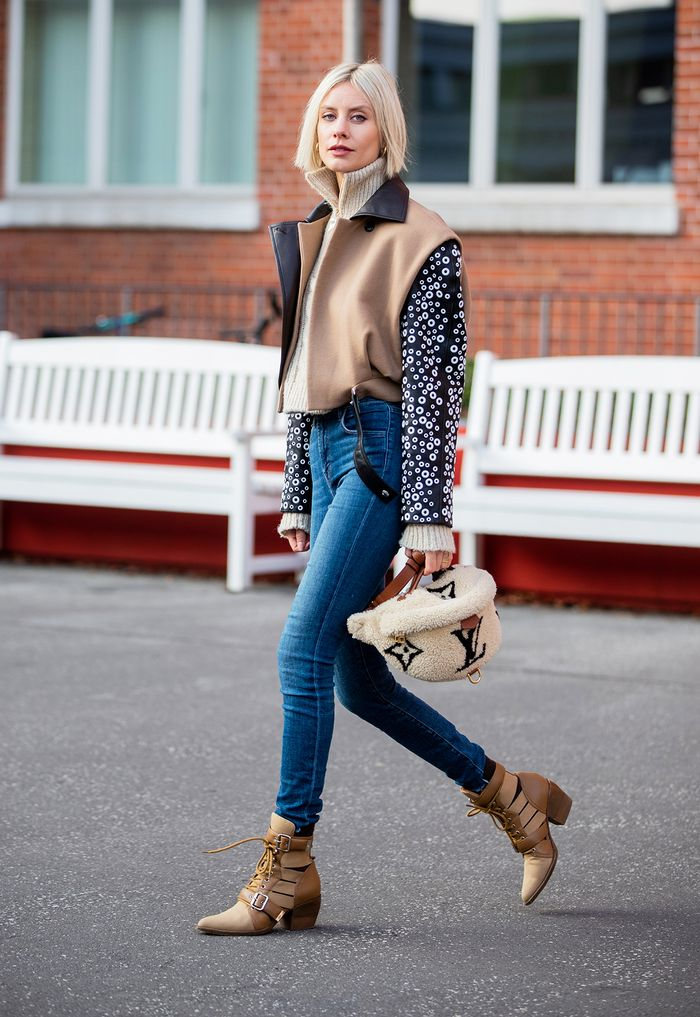 Stylish and easy outfits with skinny jeans and boots