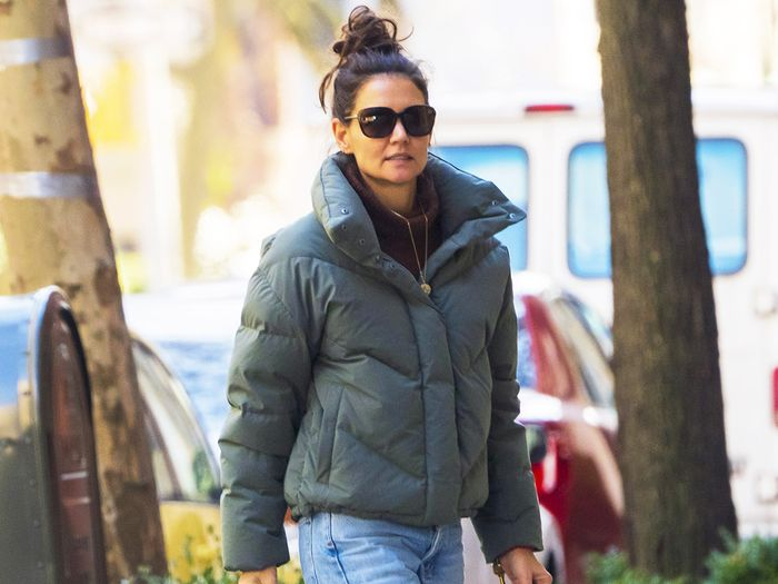 Katie Holmes Wore the Jeans, Sneakers, and Jacket Every Fashion Editor Owns