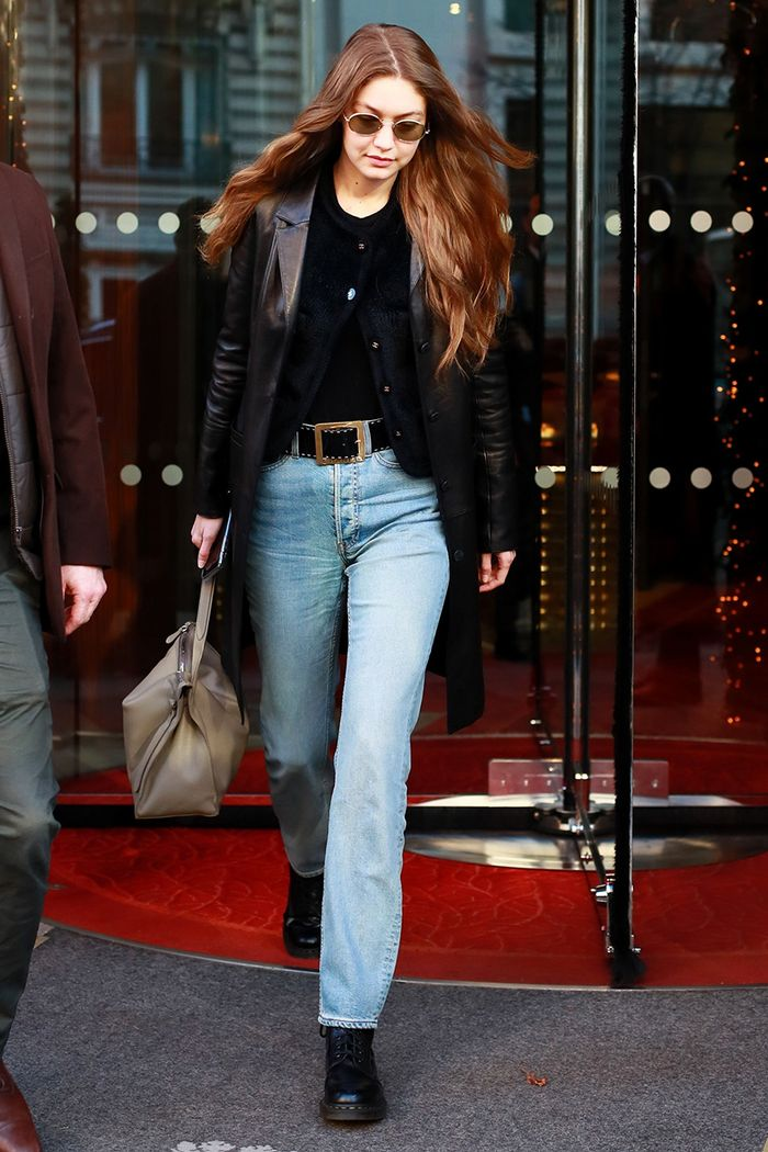 Gigi Hadid cardigan and jeans outfit