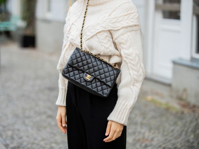 How to Buy Chanel Bag
