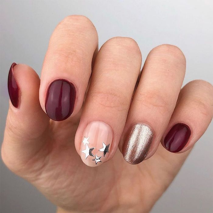 The 15 Best Nail Design Ideas For New Year S Eve 2021 Who What Wear