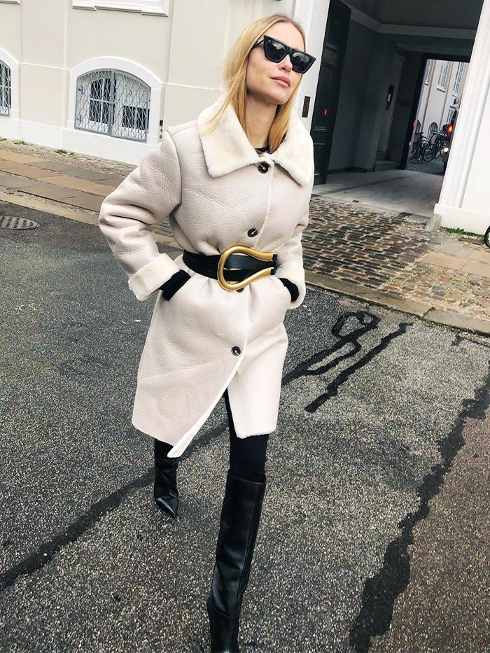 Pernille Teisbaek: Mango Coat