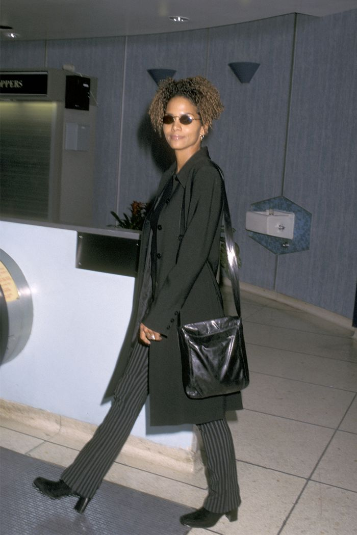 '90s celebrity winter outfits: Halle Berry