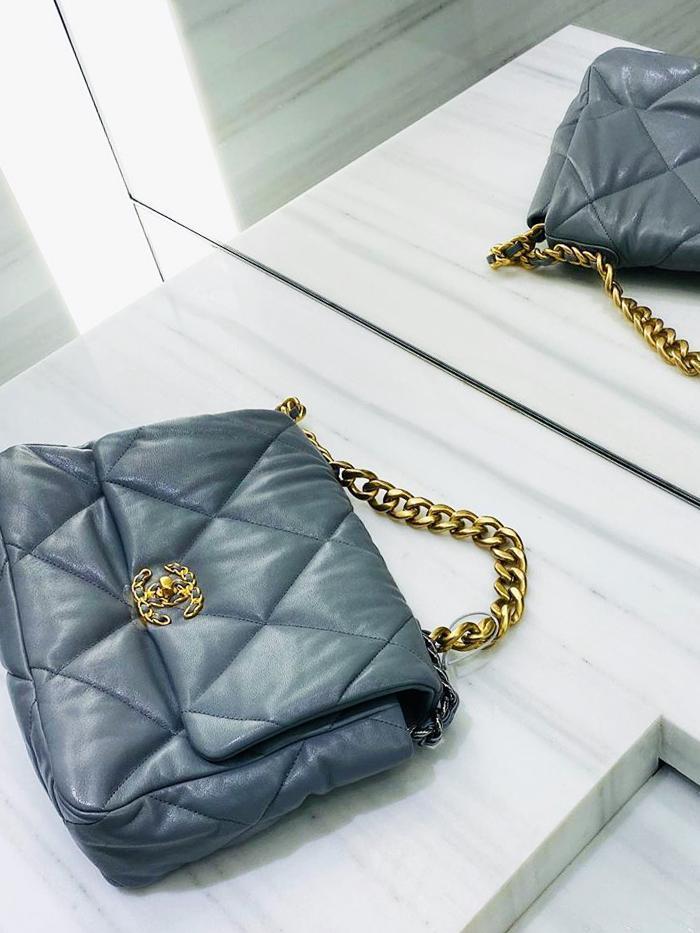 Chanel 19 Bag: Grey Colourway