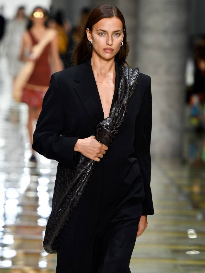 The 90s Minimalism Trend Will Be Everywhere In 2020 Who What Wear