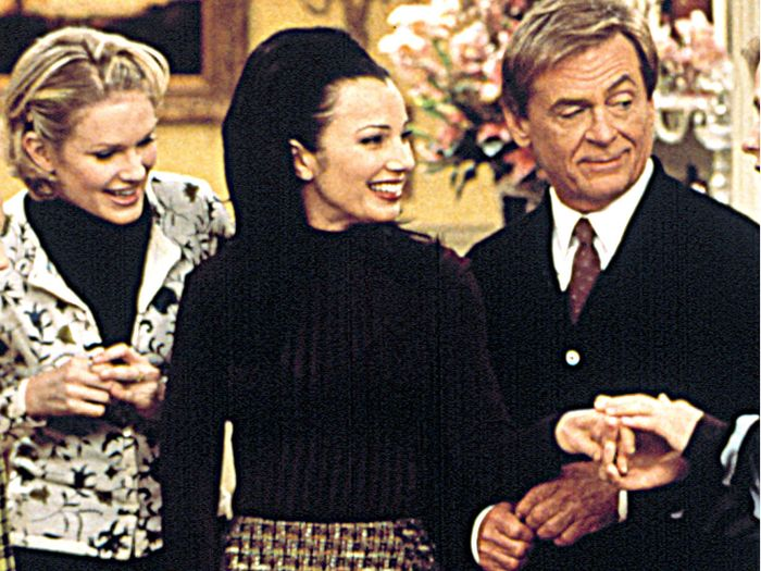 Fran Fine's Best Outfits From The Nanny